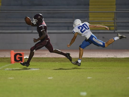 Fort Pierce Westwood's Jonius Watkins sprints to the