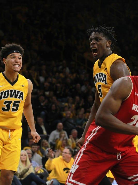 636523386062830159-180123-22-Iowa-vs-Wisconsin-mens-basketball-ds.jpg