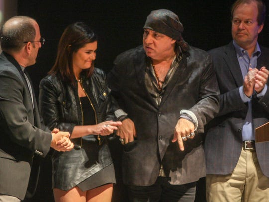Steven Van Zandt (second from right) and Jacquie Lee