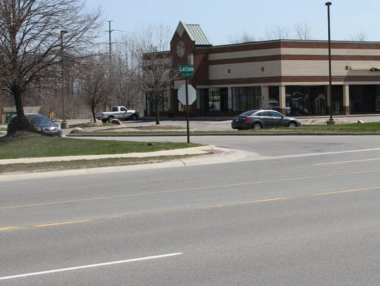 A 14-member jury visited the intersection of Latson