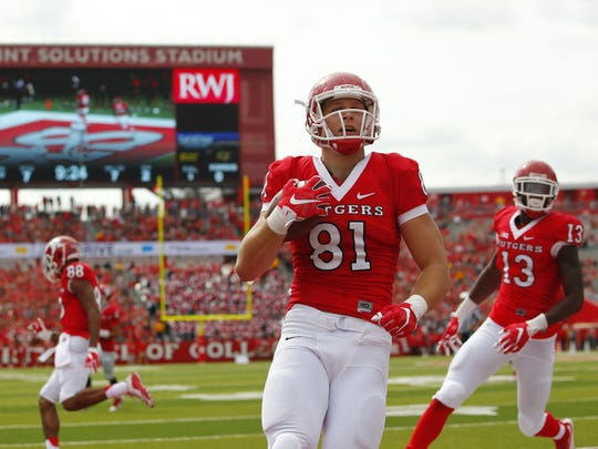 Rutgers tight end Matt Flanagan (81) runs for a touchdown after making a catch against Kansas during the second quarter Saturday, Sept. 27, 2015, in Piscataway, N.J. Rutgers won 27-14. (AP Photo/Rich Schultz)