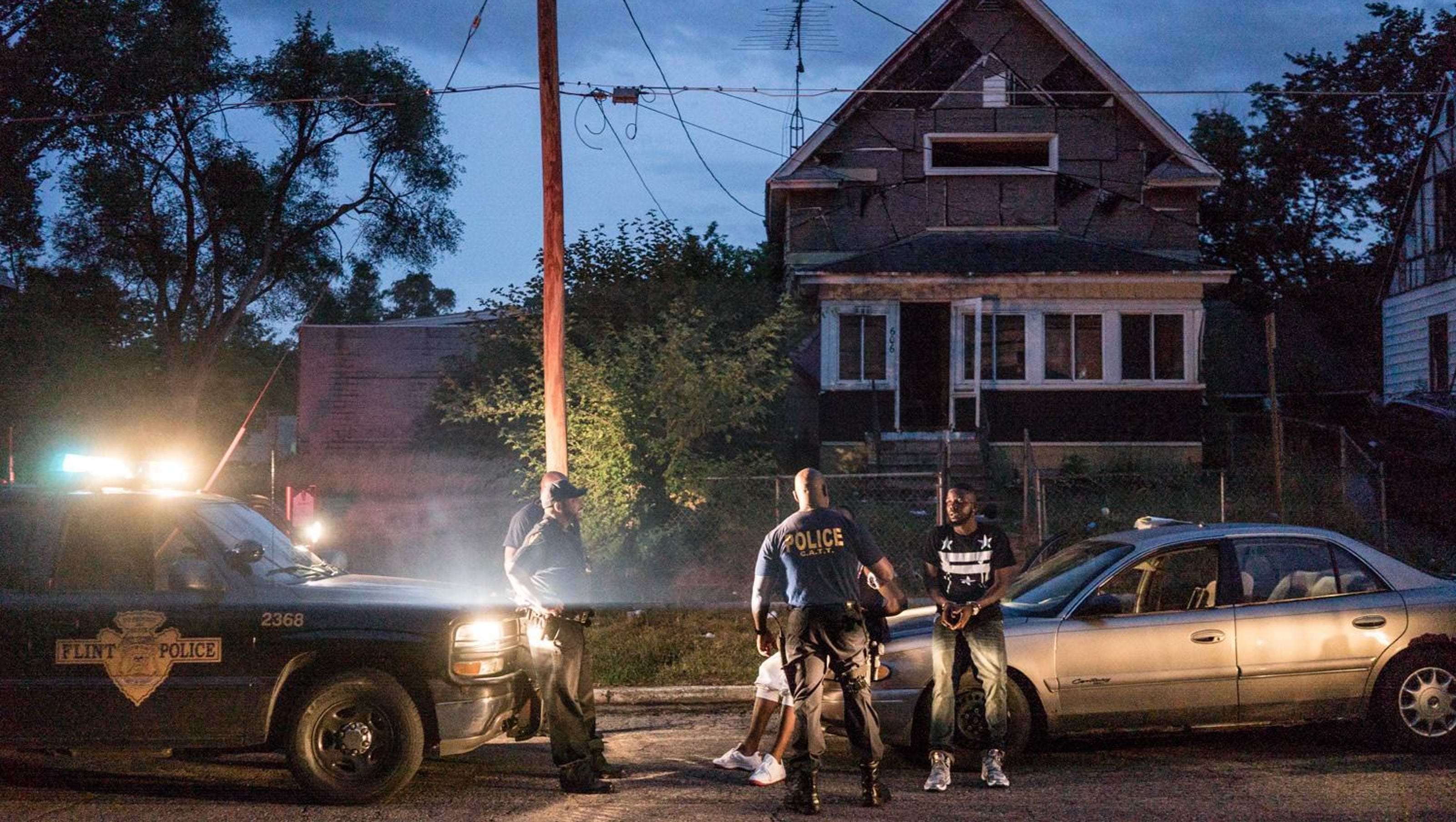 Review: 'Flint Town' takes tough look at city in crisis