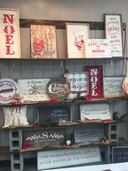 Display of Holiday themed projects available to create