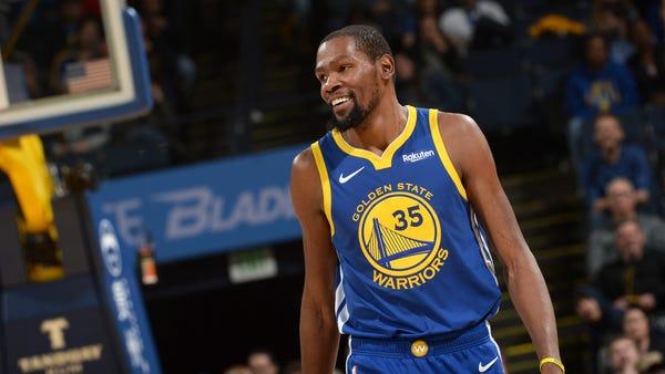 OAKLAND, CA - NOVEMBER 13:  Kevin Durant #35 of...