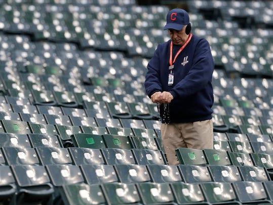 news baseball hopes beat rain game world