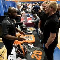 Hidden gems: Southwest Florida football recruiting fair aligns small schools, unheralded athletes