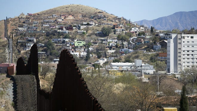Seven state legislators to the Arizona-Mexico border near Nogales, the first of several such visits organized by the Tucson Hispanic Chamber of Commerce.