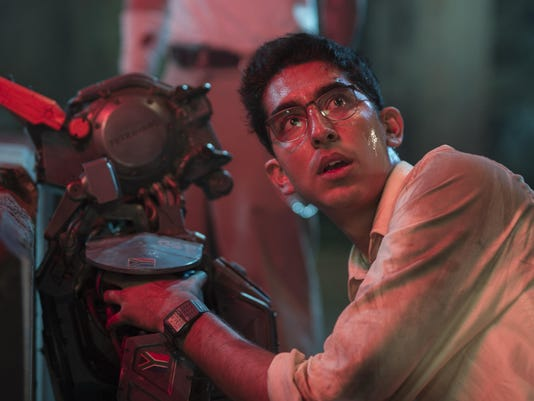 IMG_Film_Review_Chappie__8_1_CQA3UIS5.jpg_20150308.jpg