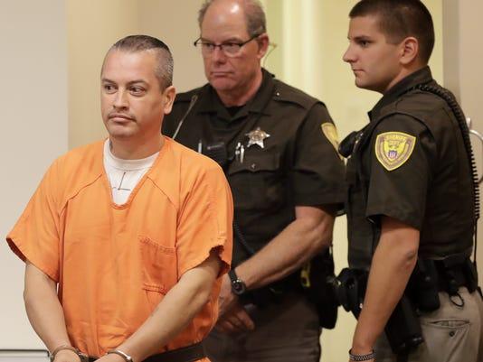 636403179474115136-APC-Stabbing-suspect-in-court-090617-0067-wag-.jpg