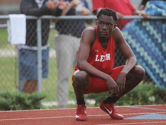 Leon freshman Curtis Williams waits to run the 4x400