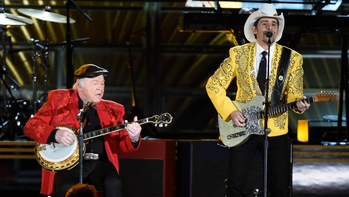 Brad Paisley remembers 'Hee Haw' co-host Roy Clark: 'I owe him everything'