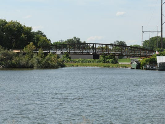 OSH Riverfront Boatworks 090814 JS 03