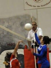 Corona and Hondo volleyball teams will go head-to-head