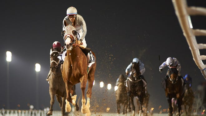 California Chrome made it look easy Thursday while winning a Dubai World Cup prep at Meydan Racecourse.