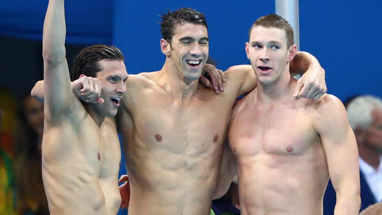 Michael Phelps leads historic final night of swimming