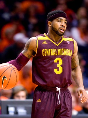 Central Michigan Chippewas guard Marcus Keene (3) brings the ball up the court during the second half against the Illinois Fighting Illini at State Farm Center. Illinois beat Central Michigan 92-73.