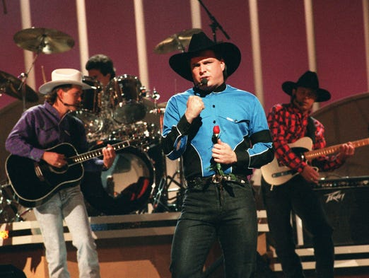 Garth brooks talks new album tour at press conference for 1991 house music
