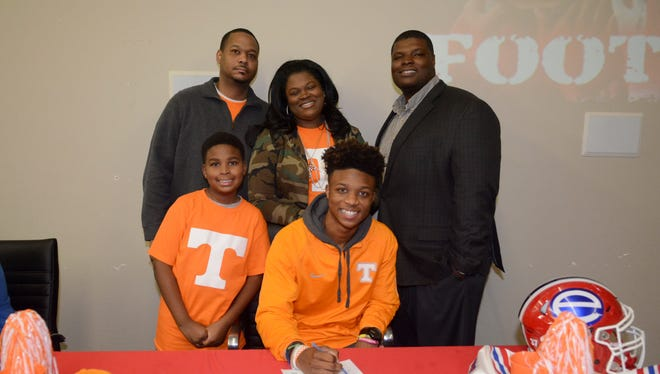 Corey Henderson signs with the University of Tennessee.