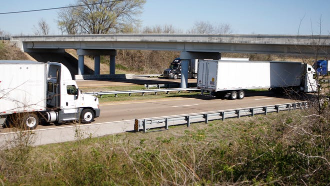 Travelers on I-55 may experience some delays this weekend.