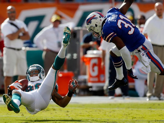 -APTOPIX Bills Dolphins Football.JPEG-0a6b2.jpg_20121223.jpg