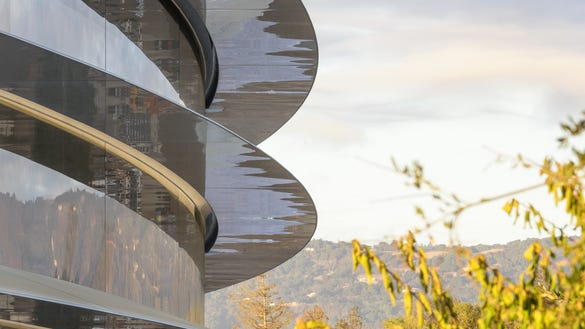 apple-park-photo.jpg