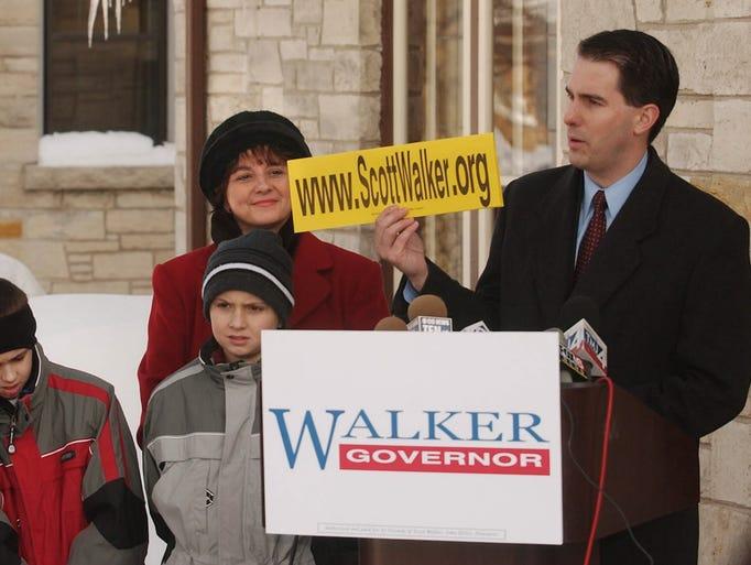 Milwaukee County Executive Scott Walker shows the url