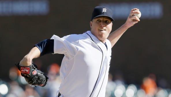 Detroit Tigers relief pitcher Tom Gorzelanny throws