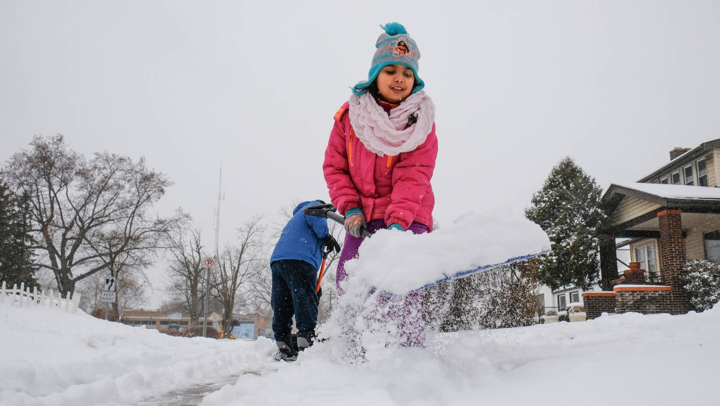 Metro Detroit weather forecast: Several inches of snow coming this week