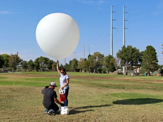 636416885267860895-Weather-balloon.JPG