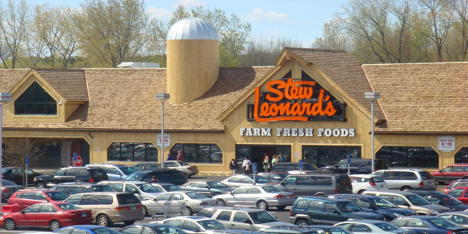 Paramus Park seeks OK to swap Sears for Stew Leonard\'s, movie theater