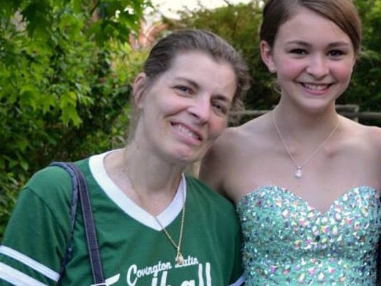 636736473934338978-Susan-Clements-and-Daughter-3.jpg