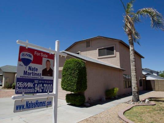 PNI home prices fall in metro Phoenix pic
