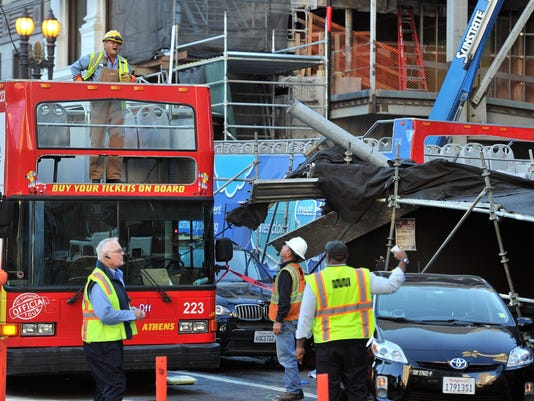 Tour Bus Crash (3)
