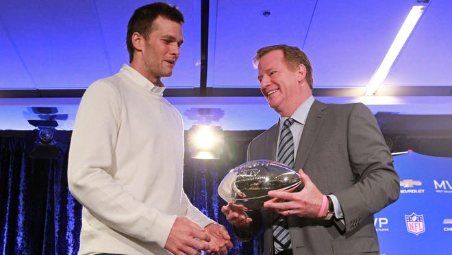 IndyStar columnist Gregg Doyel says NFL Commissioner Roger Goodell (right) has to hammer New England Patriots quarterback Tom Brady (left) for his role in DeflateGate.