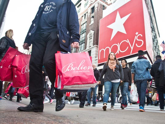 AP HOLIDAY SHOPPING F A USA NY