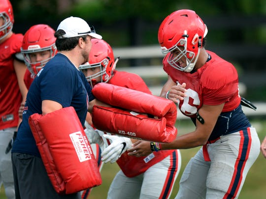 Offensive lineman Nate Clifton (66)