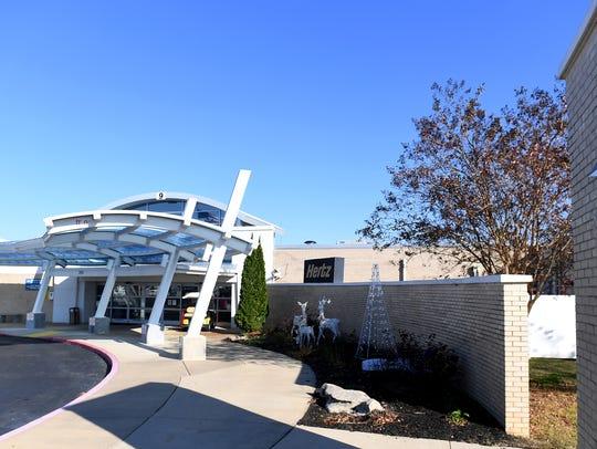 McKeller-Sipes Regional Airport wants to add new flights