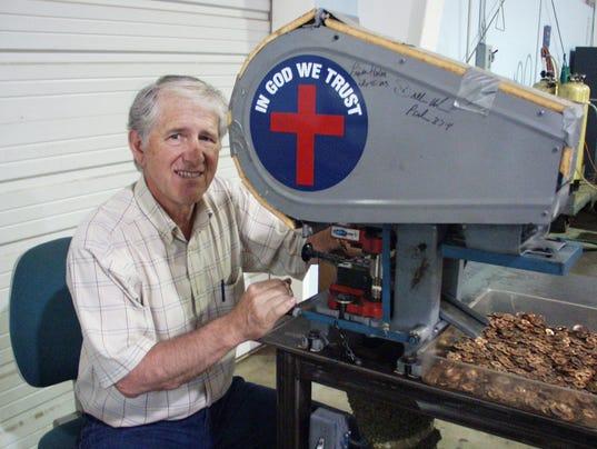 636257032172589230-cross-penny-machine.JPG