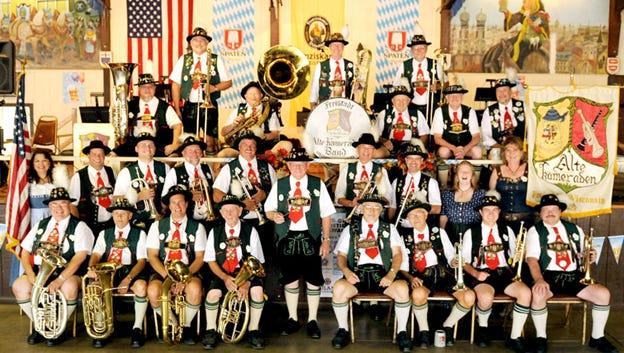 Earl Hilgendorf (center) with Die Freistadt Alte Kameraden band