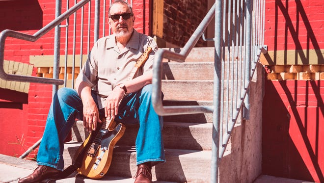 David Bromberg returns Sunday to Higher Ground with his quintet.