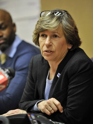 American Federation of Teachers president Randi Weingarten speaks during a press conference in this May 3, 2016 file photo.