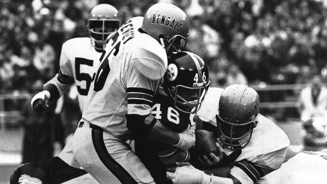 Bill Bergey, left, was a force in at the linebacker position for the Bengals.