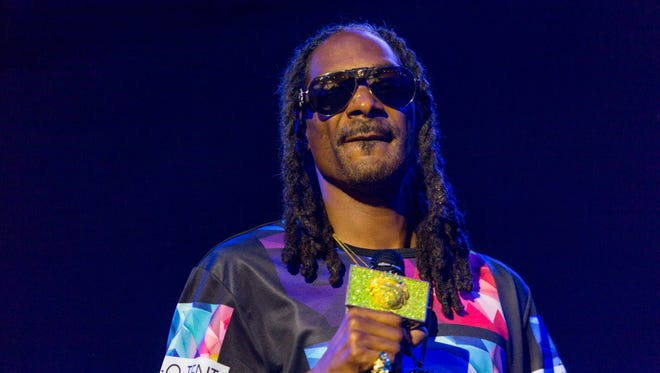 Snoop Dogg will play his first Milwaukee show in nine years at the Riverside Theater Dec. 22.
