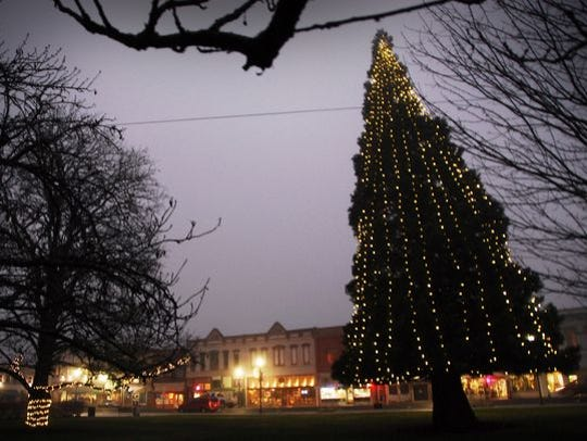 Dallas Winterfest: Kick off the holiday season on the beautiful Polk County Courthouse lawn with Santa, the tree lighting, food trucks, Christmas vendors, music, hot cocoa andcookies, plus a sing-along, 5 to 8 p.m. Dec. 7, Polk County Courthouse, 850 Main St., Dallas.