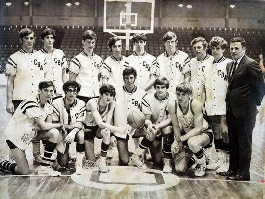 The 1971 CBA basketball team, with Bill Paterno, a