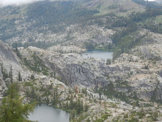 Devil's Oven and Paradise lakes are also visible from