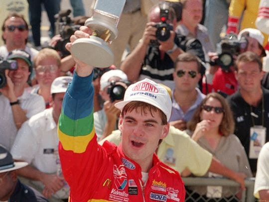 Jeff Gordon storms onto the NASCAR scene by winning