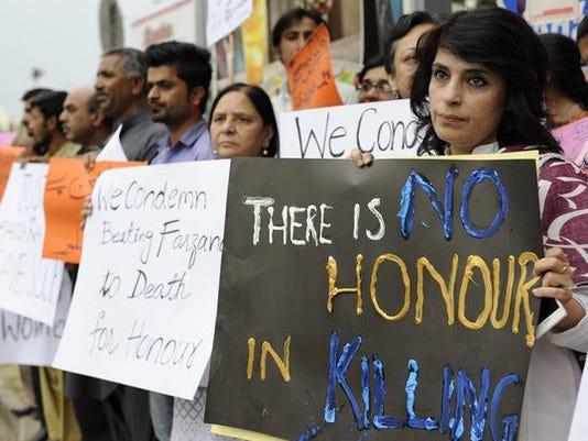 636113628754397846-636010699466052746-EPA-PAKISTAN-HONOR-KILLING-PROTEST.jpg