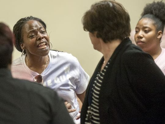 LaTisha Turner, the mother of hit-and-run victim Quason Turner, reacts to the probationary sentence given to Susan Hyland at a February 2017 court hearing.