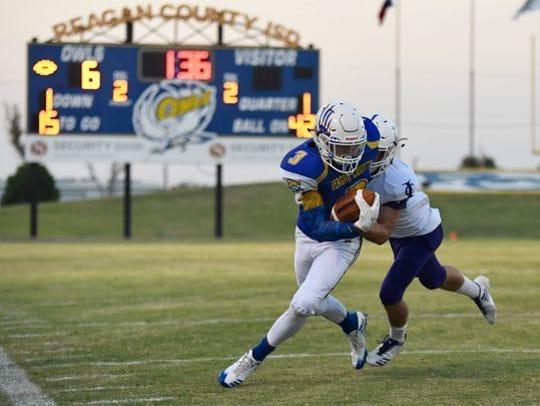 Reagan County's Kaleb Morris had a touchdown grab and